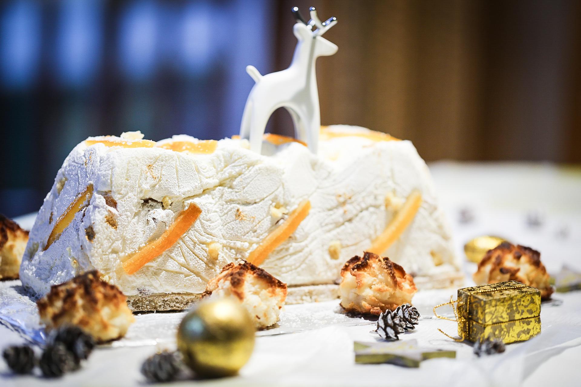 Bûche de Noël noix de coco et clémentines